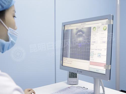 """昆明白癜风医院:暑期强化治疗,儿科门诊专家""""一对一""""诊疗"""